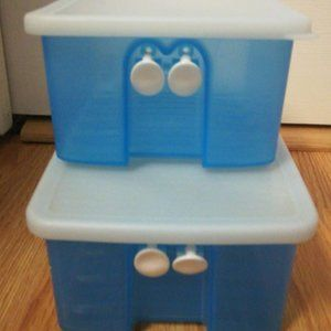 Tupperware Kitchen - Tupperware Fridgesmart storage Lot of 2